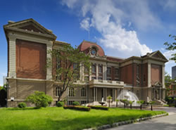 天津外国语大学继续教育学院图片