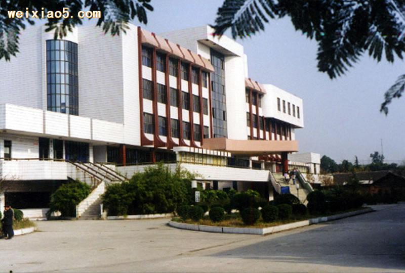 川北医学院附属医院护士学校-川北医学院附属卫校-学校环境