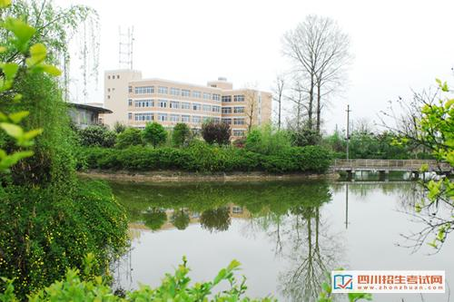 四川大学职业技术学院教学楼一角