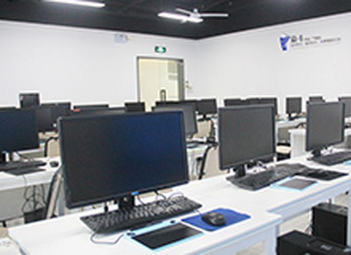 厦门触控未来教育培训学校-机房