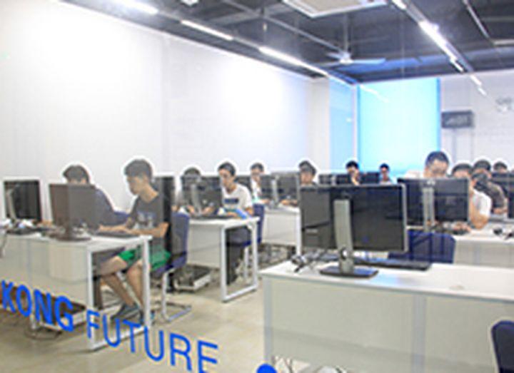 厦门触控未来教育培训学校-学员上机图