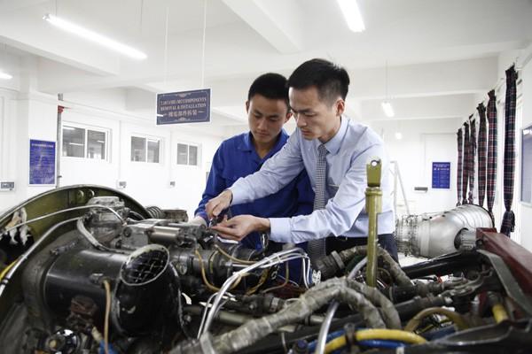 四川西南航空专修学院飞机机电设备专业