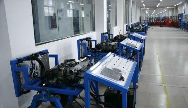 开设课程: 汽车发动机构造与维修,汽车底盘构造与维修,汽车电器设备